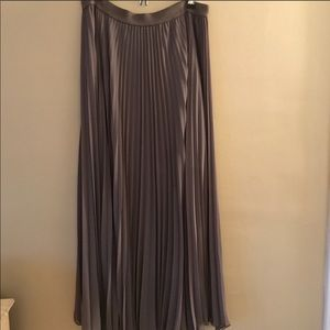 BCBG MAXAZRIA GRAY LONG SKIRT